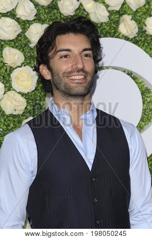 LOS ANGELES - AUG 1:  Justin Baldoni at the CBS TV Studios Summer Soiree TCA Party 2017 at the CBS Studio Center on August 1, 2017 in Studio City, CA