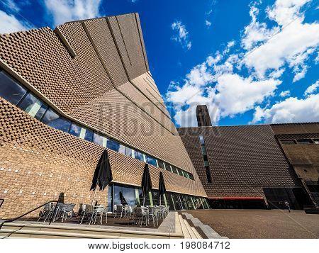 Tate Modern Tavatnik Building In London (hdr)