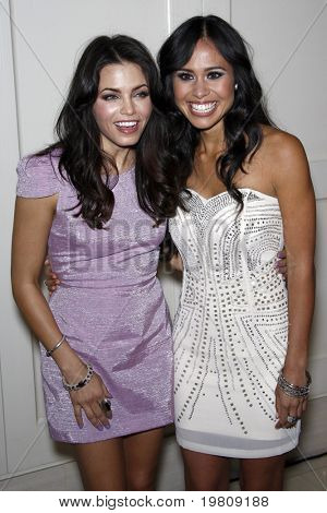 LOS ANGELES - APR 13:  Jenna Dewan-Tatum, Kimberly Snyder arriving at the Kimberly Snyder Book Party For