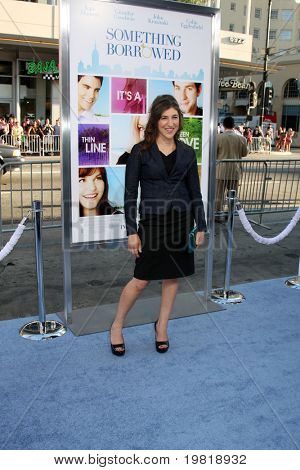 """LOS ANGELES - MAY 3:  Mayim Bialik arriving at the """"Something Borrowed"""" World Premiere at Grauman's Chinese Theater on May 3, 2011 in Los Angeles, CA"""