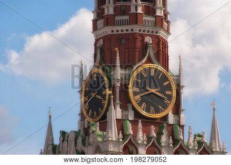 Kremlin Clock Chimes Close-up Against A Blue Cloudy Sky