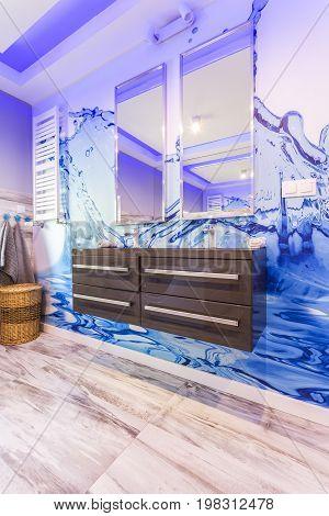 Modern Bathroom With Unusual Tiles