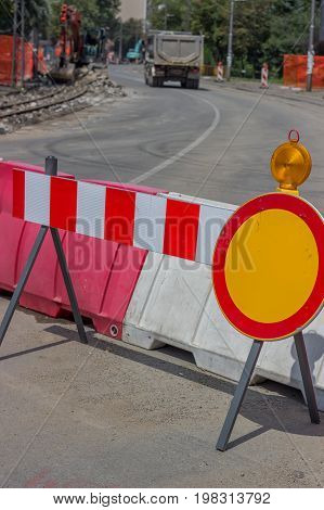 Construction Barrier Sign With Yellow Warning Light 3