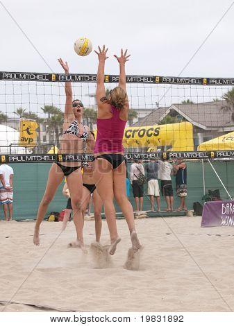 HUNTINGTON BEACH, CA. - MAY 22: AVP Huntington Beach Open women's qualifier match on May 22, 2009 in Huntington Beach, CA.