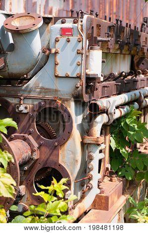 Old Mechanism, Color Image, Selective Focus, Vertical Image