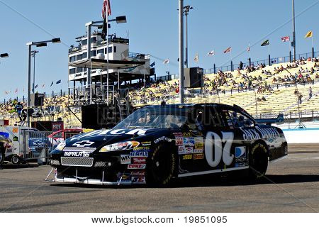 AVONDALE, AZ - NOV 7 - Clint Bowyer (07) drives off the track and into the garage at the NASCAR Sprint Cup Series at the Phoenix International Raceway on November 7, 2008 in Avondale, Arizona.