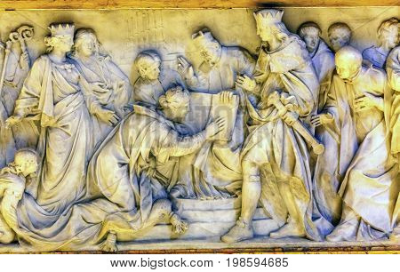 ROME, ITALY - JANUARY 18, 2017 Kings Queens Reading Book Bible Sculpture Statue Saint Peter's Basilica Vatican Rome Italy