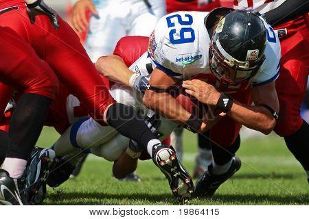 Wolfsberg, Österreich, august 18, US-amerikanischer american-Football b-EG: Rb Ondrej Visek (# 29, Tschechische) und sein team Bea