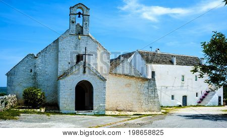 The church of Santa Maria di Barsento and the adjacent farm which was once a convent are located in the area between Noci and Putignano in the province of Bari