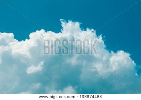 Blue Sky With Cottony Clouds during the Day