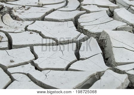 The droughts that occurred after the ecological equilibrium of the world deteriorated, the formation of cracks in the earth,