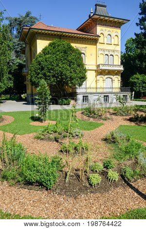 Nicely Decorated Flower Bed And Trimmed Bushes At Lugano