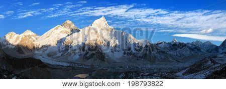 Evening panoramic view of Mount Everest from Kala Patthar with beautiful clouds on sky - Way to Mount Everest base camp Sagarmatha national park Khumbu valley Nepal