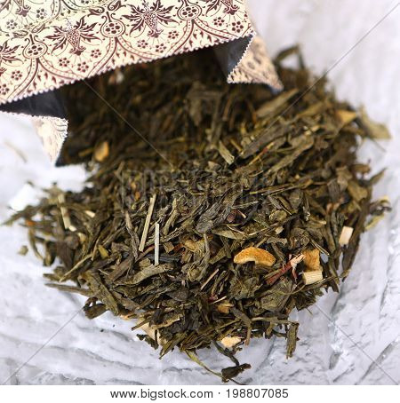 Chinese herbal green cencha tea with ginger