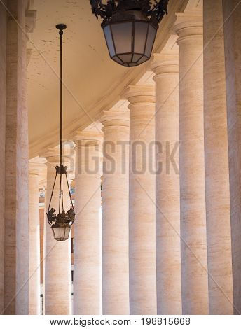 high colums around the famous Basilica di pietro in vatican city