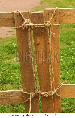 Rope tied a tight knot.And it is very difficult to untie.