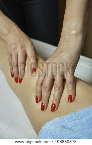 Leg Massage In Spa Salon