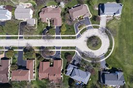 Aerial view of homes on a cul-de-sac in a suburban setting in the Chicago area.