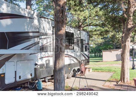 Recreational Vehicles Rv And Camper Park Near Dallas, Texas