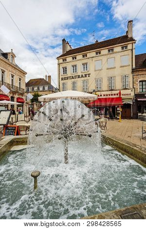 Beaune, France - August 10, 2017: Small Village And The Typical Architecture Of The Building In Beau