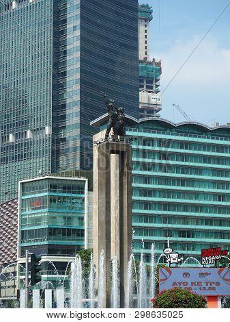 Jakarta, Indonesia - April 17, 2019: Cityscape Of Hotel Indonesia Roundabout (bundaran Hi) On Thamri