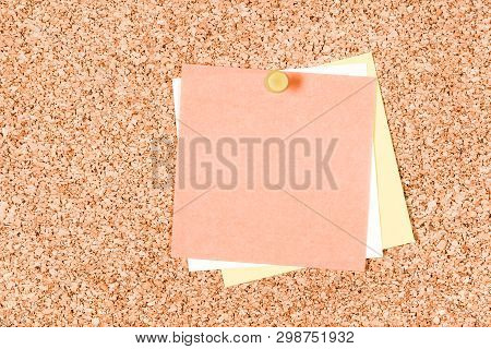 Blank Notes With Copy Space Pinned To A Corkboard.