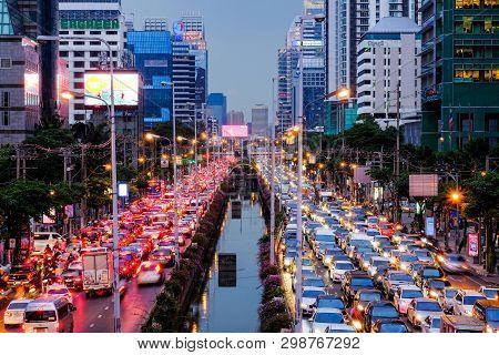Bangkok-thailand Nov 16 2017: Traffic Jam On Sathorn Rd, In The Evening On After Work, Sathorn Rd. I
