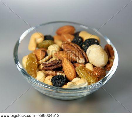 Mix Of Nuts - Macadamia Pecans Almonds Cashews Hazelnuts And Light And Dark Raisins