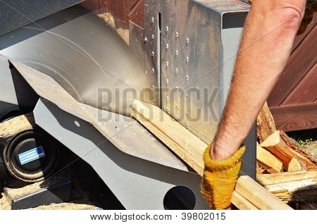 mechanical wood saw