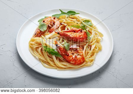 Pasta With Shrimps In White Sauce