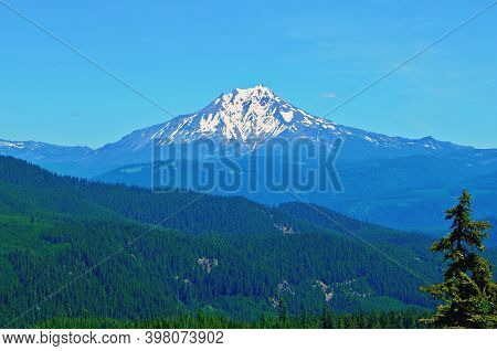 Panoramic Cascade Vista - A View Of Mt. Jefferson As Seen From Trapper Ridge - Cascade Range - Near