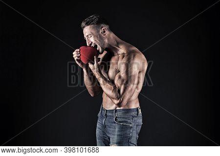 Sports Nutrition. Sportsman Eat Red Heart. Nutrition For Sport And Exercise. Nutrition And Healthy E