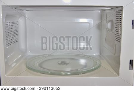 Microwave Oven Inside, Empty Microwave Oven Inside White