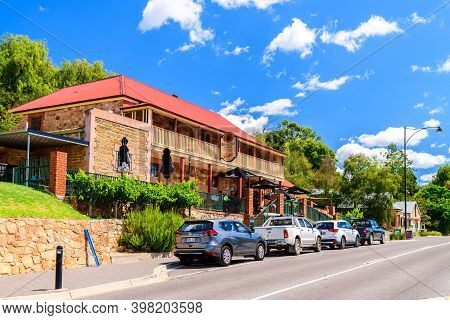 Adelaide Hills, South Australia - February 9, 2020: Royal Oak Hotel With Cars Parked Next To It At C