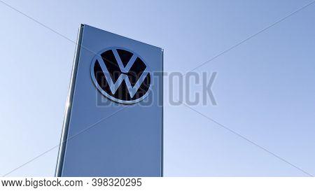Bordeaux , Aquitaine  France - 12 01 2020 : Volkswagen New Modern Logo Front Of Car Shop Sign With V