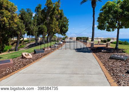 Honolulu, Hi, Usa - March 30, 2013 : Path Of Valor Along National Memorial Cemetery Of The Pacific,
