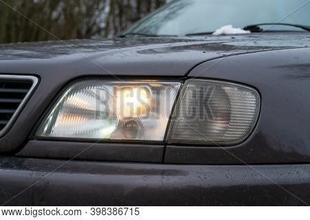 Close-up Of The Cars Fog Lights. Headlights In The Car, Close-up. Close-up Of White Car Headlights.