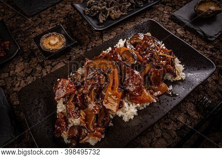 Beef Chop Suey Served With White Rice, Traditional Chinese Food