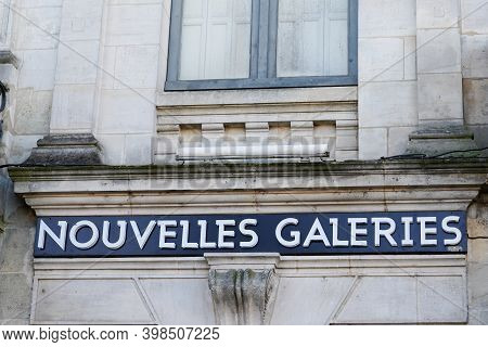 Bordeaux , Aquitaine  France - 12 01 2020 : Nouvelles Galeries Logo And Text Sign Of Upmarket French