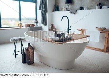Modern Nice Bathroom With A Big Bathtube