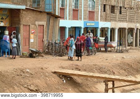 Naivasha, Kenya -  August 24, 2010: Local People On The Street Of Naivasha Town Is A Large Town In N