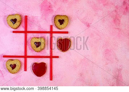 Linzer Cookie Game In Tic-tac-toe.