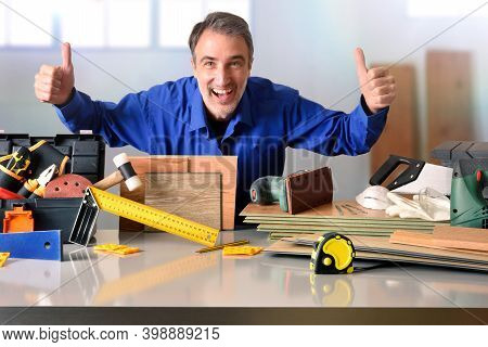 Warehouse Distributor Of Material And Tools For The Assembly And Maintenance Of Parquet With Happy R
