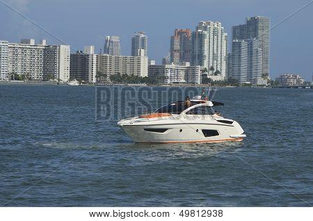 Luxurious Cabin Cruiser and SoBe Condos