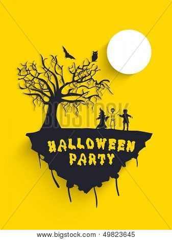 Scary Halloween moonlight background with dead tree, owl and bats silhouette, can be use as flyer, banner or poster for trick or treat party.
