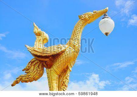Thai swan lake lamp