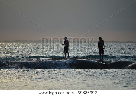 Two Man On Wave