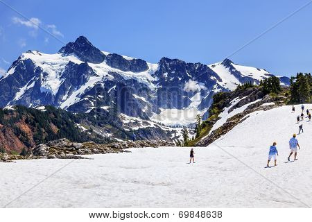 Hiking Snowfields Artist Point Glaciers Mount Shuksan Washington State