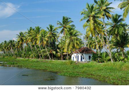 Индия, Керала канал