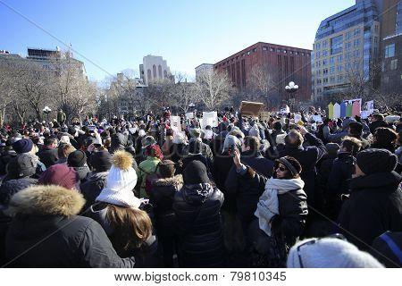Hundreds assembled at the park